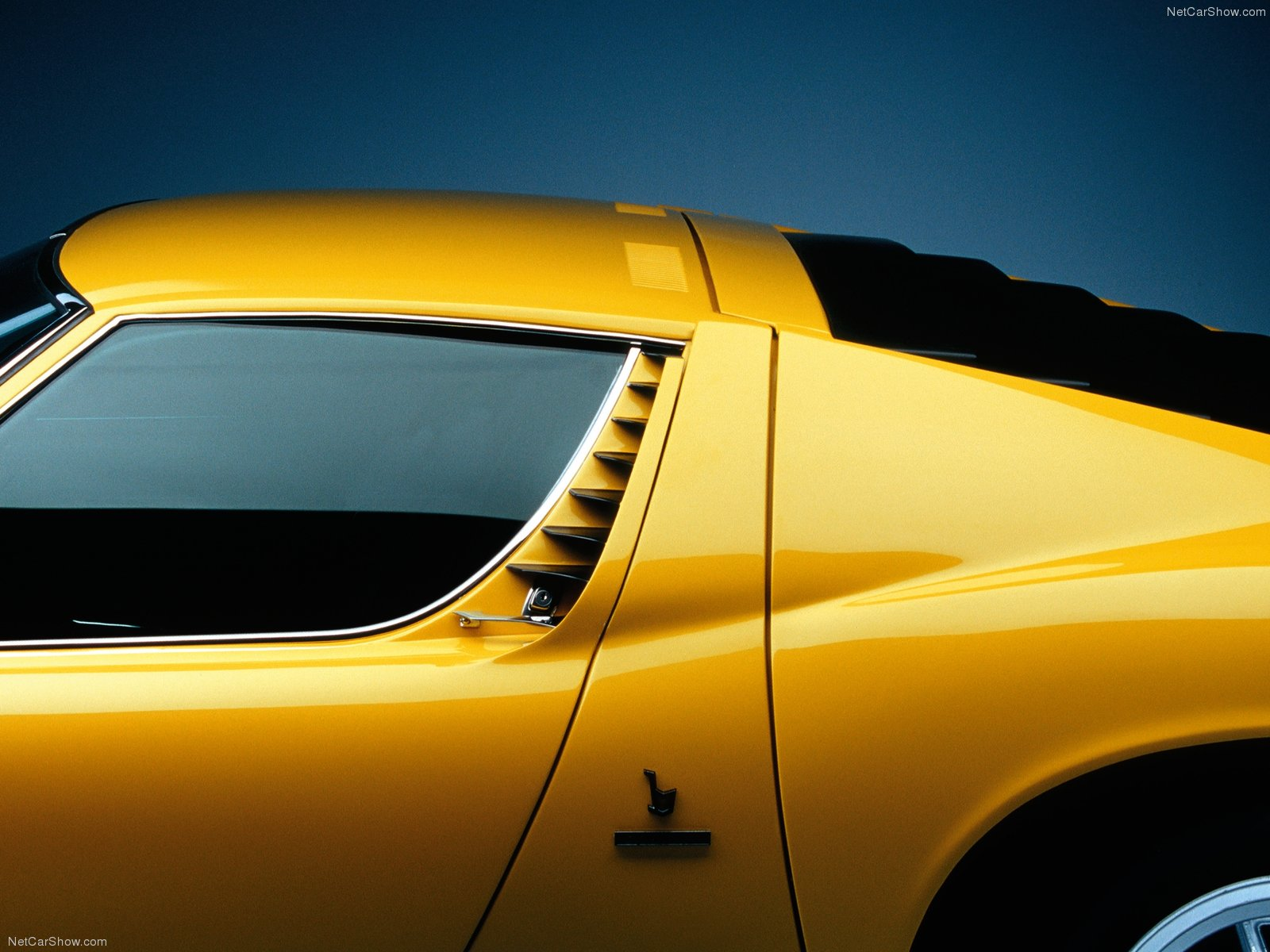 1-Lamborghini-Miura-SV-1971-12