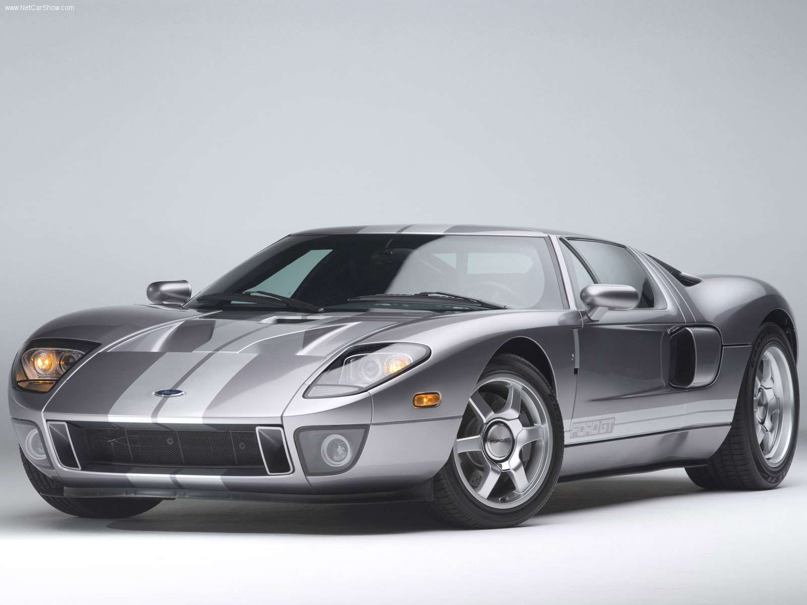 Ford-GT-2006-01