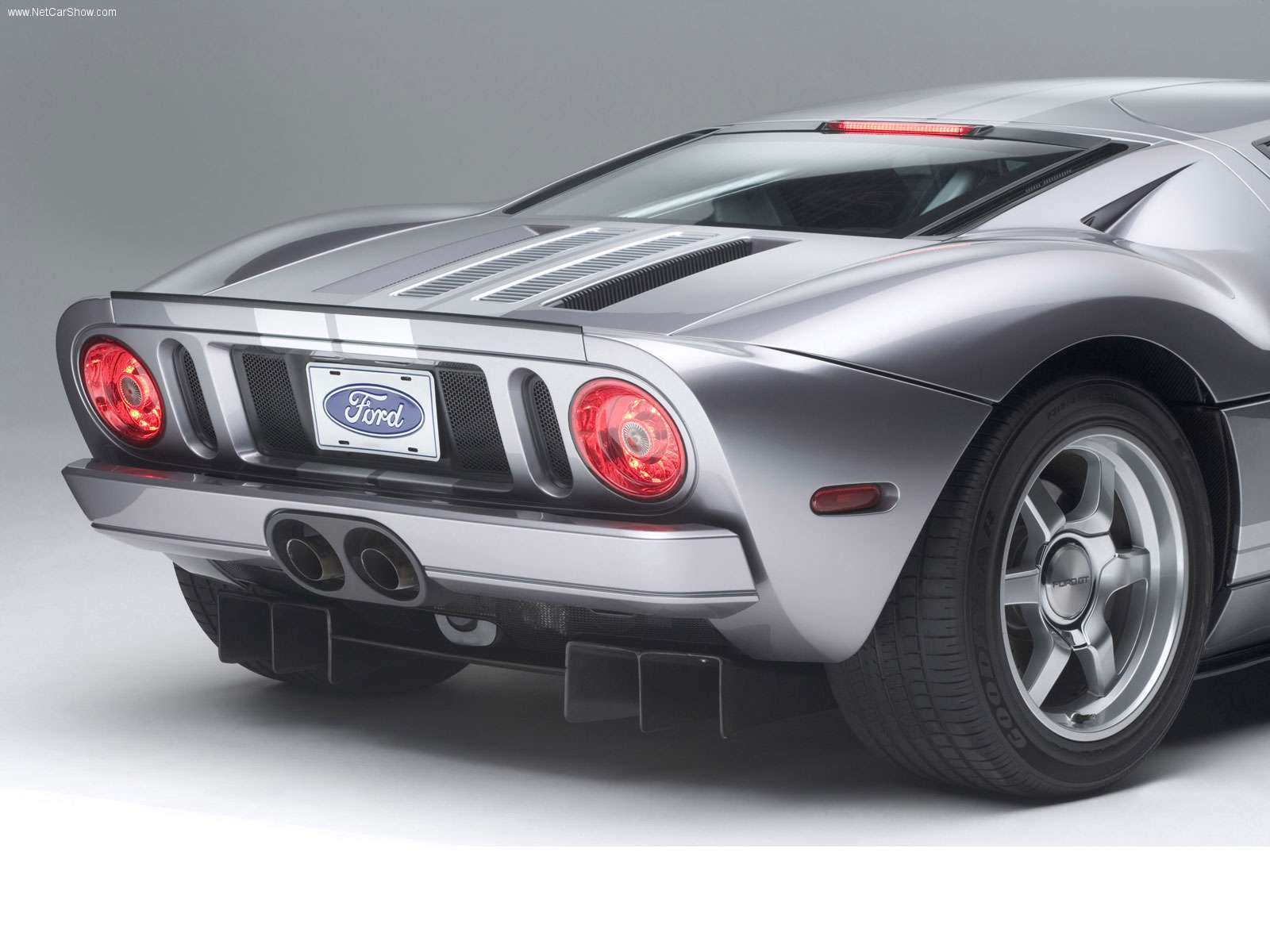 Ford-GT-2006-05