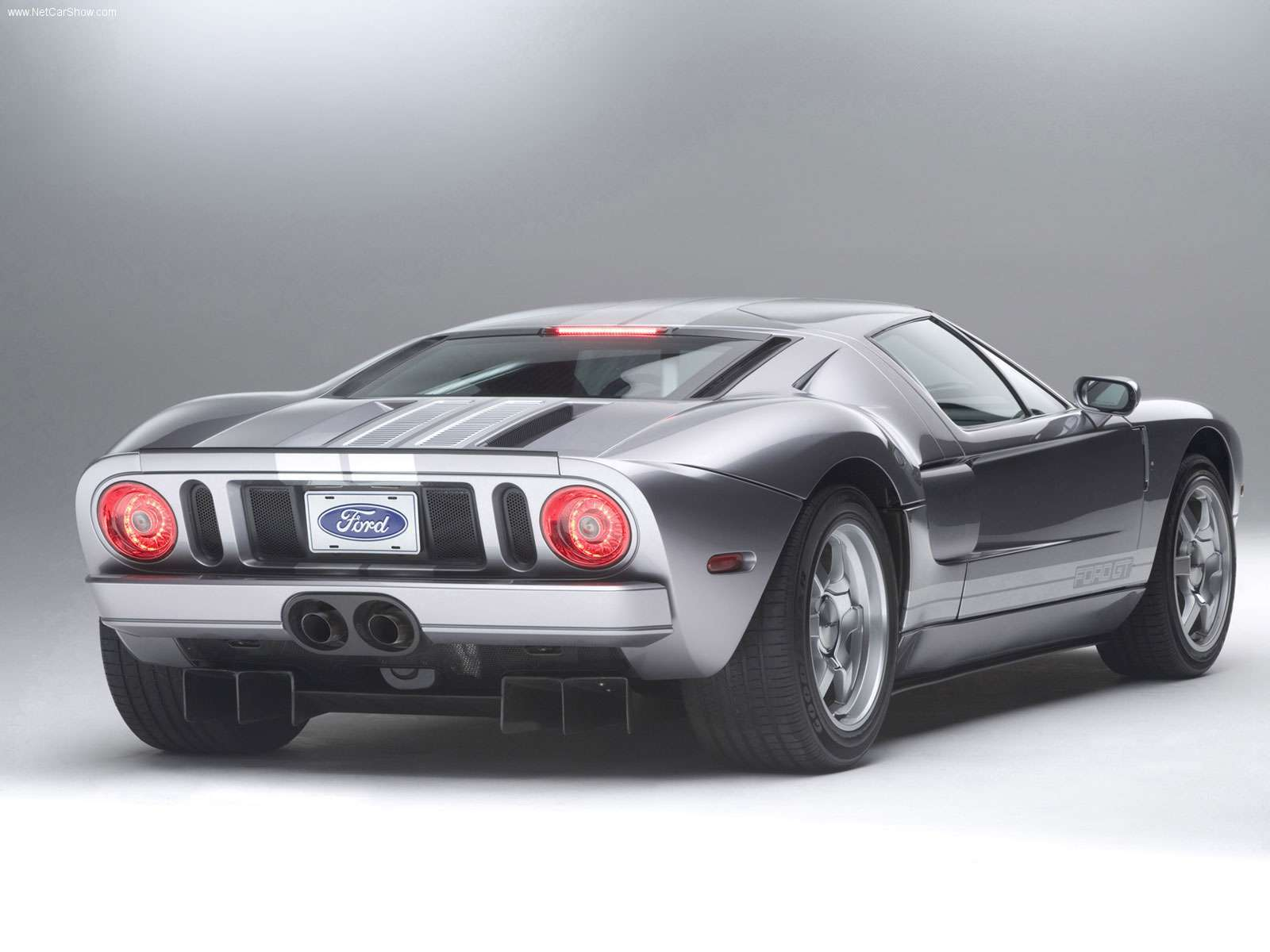 Ford-GT-2006-06
