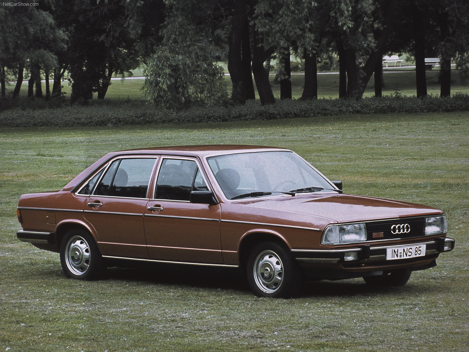 Audi-100-1979