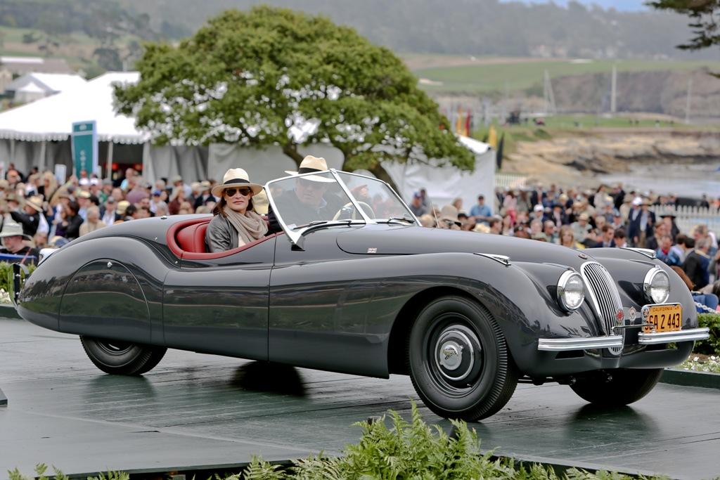 Jaguar_XK120_Roadster_1949-wiki-Jlotman