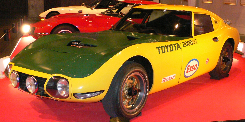 Toyota_2000GT-1966_wiki-Mytho88